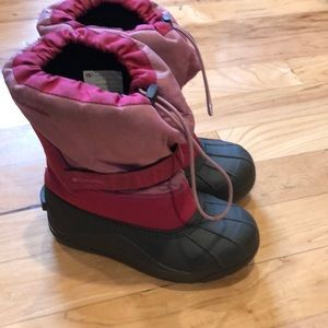 Girls size 4 Columbia winter boots